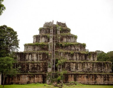 How to see Angkor temples in Cambodia