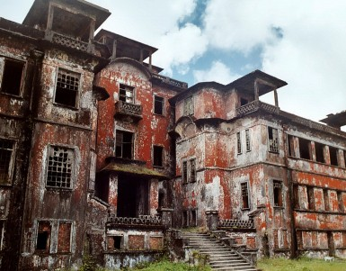 Bokor Hill station tour in Kampot, Cambodia