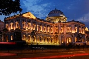 Visit the national museum in Singapore