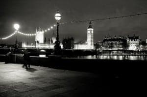 Propose by the Thames in London