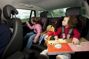 8 ways to keep kids entertained on car journeys