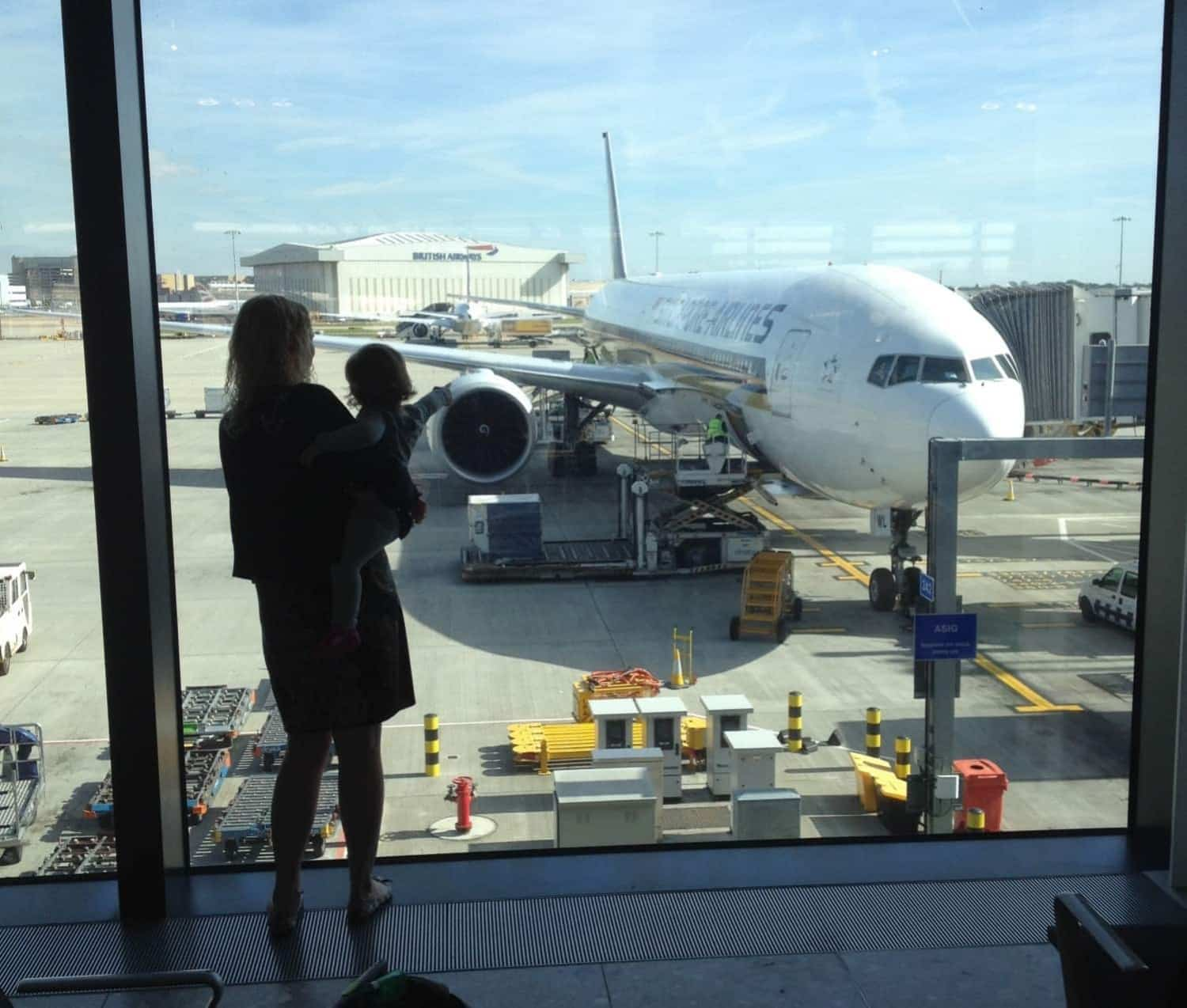 Singapore Airlines SQ305 review