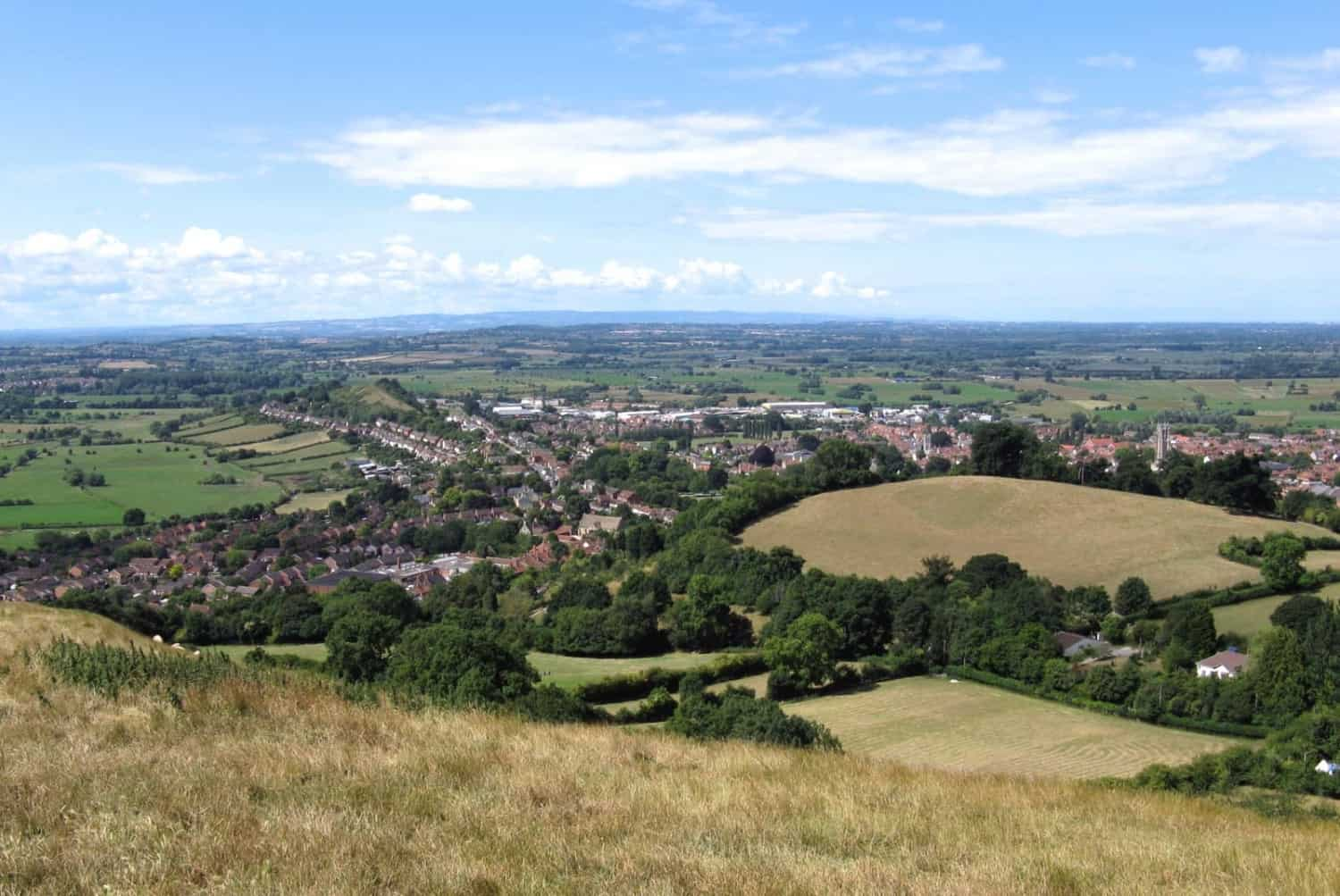 Glastonbury_(part_of)_from_the_tor_arp