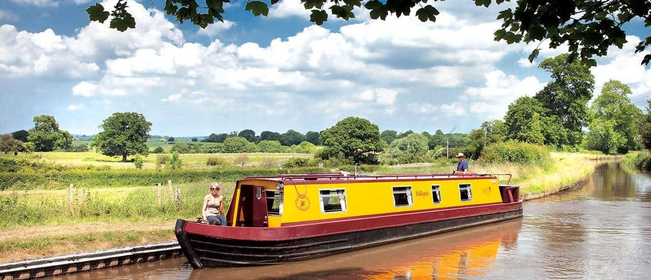 Canal boat hire in UK