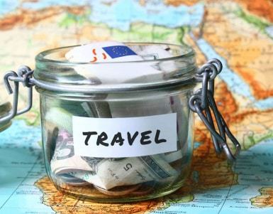 budget travel with friends