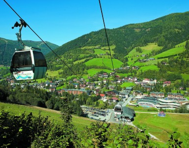 Can you visit ski resorts all year?