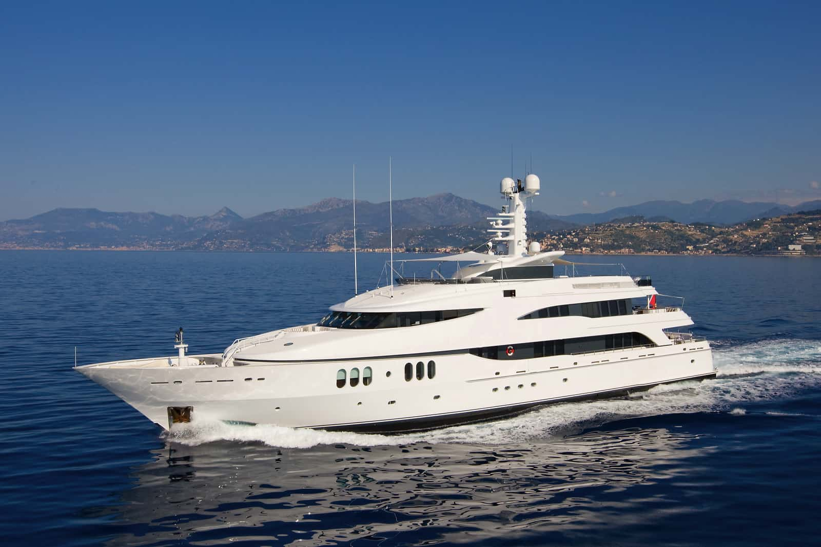 luxury yacht advice